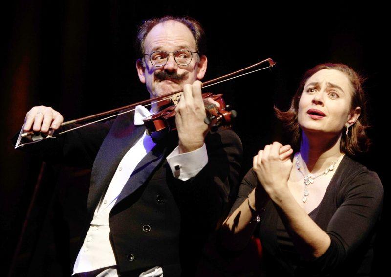 Die Fledermaus à trois. Mit Sabine Fischmann und Michael Quast. Am Flügel: Rhodri Britton / Markus Neumeyer.